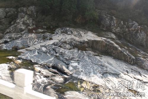 泰山彩石溪