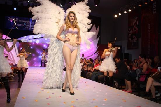 小妇人内衣2012国际内衣时尚与趋势发布会华丽落幕