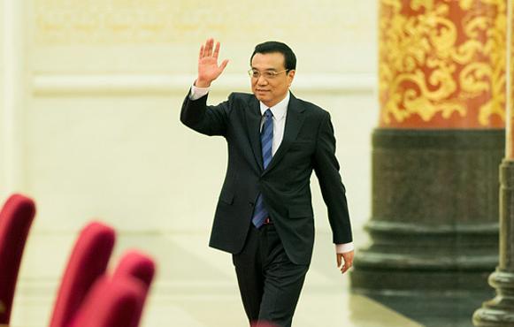 组图:国务院总理李克强答中外记者提问