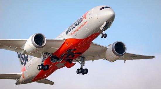 4磅(约7公斤)重的行李.在国际航班中,食物必须在网上提前购买.