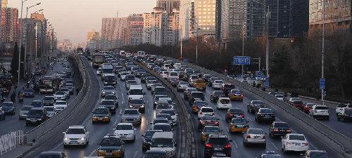 北京堵车高峰_平安夜的北京成堵车夜!