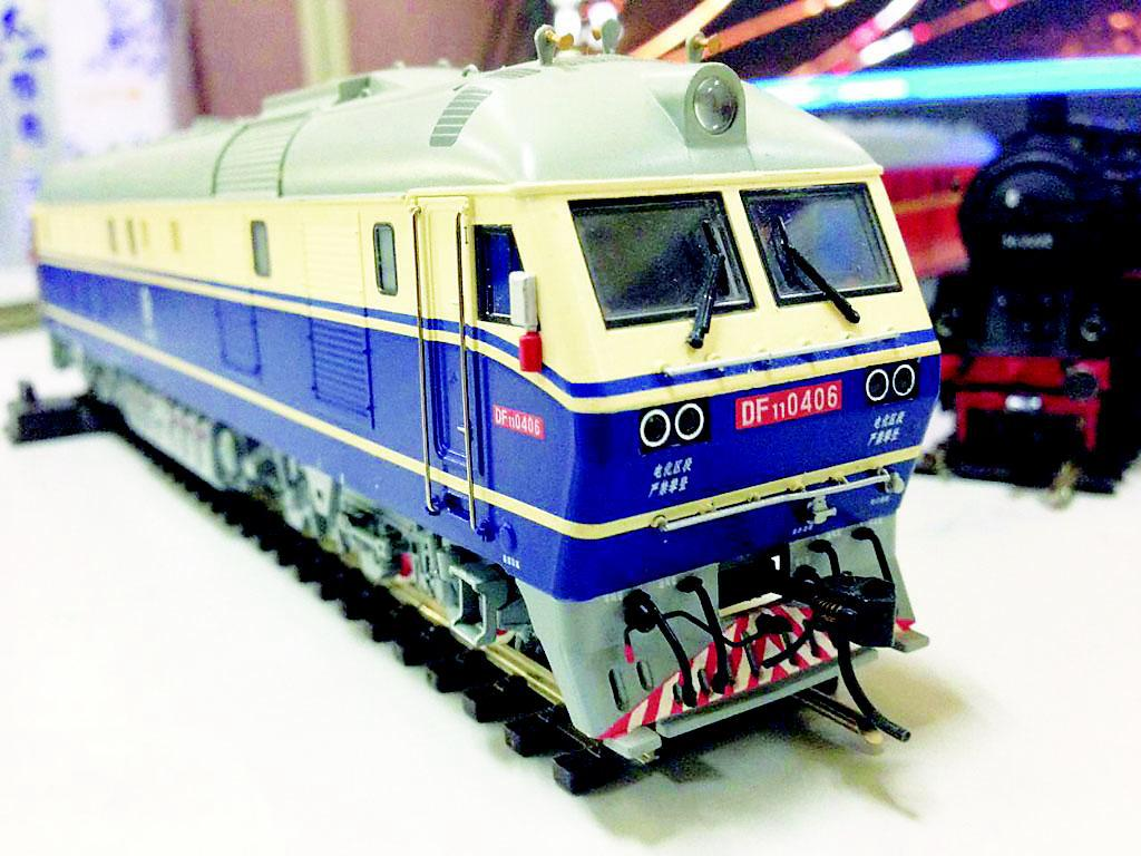 秦、京沪线上的客运机车,最高时速每小时170公里.-东风11型内燃