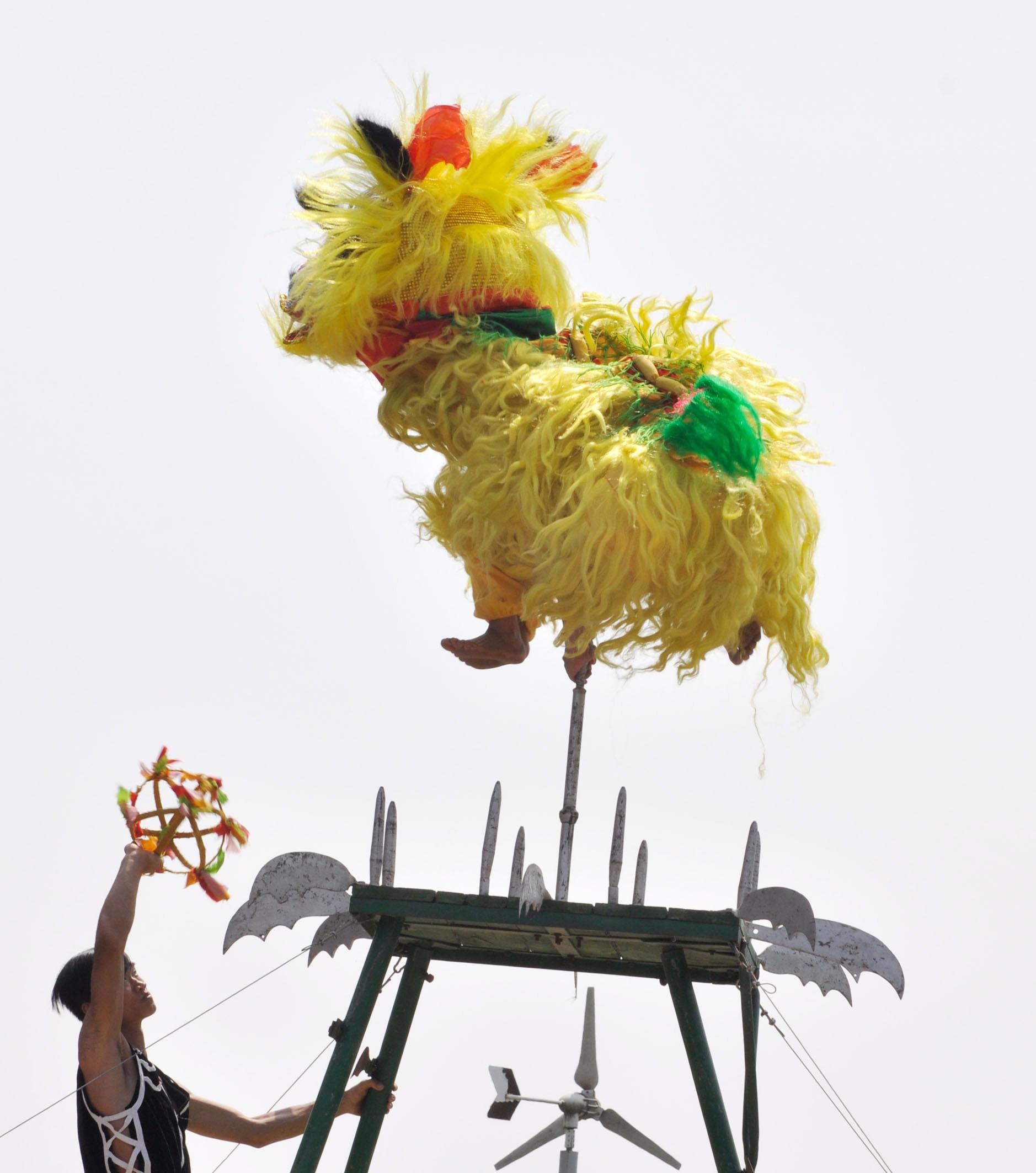 当日是农历三月三,广西民族博物馆举办广西各地民俗展演活动,欢庆