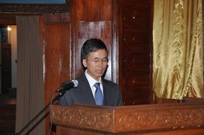 杨厚兰大使在活动现场接受了中央电视台、新华社、光明日报、缅甸国际电视台和缅甸天网电视台的采访。
