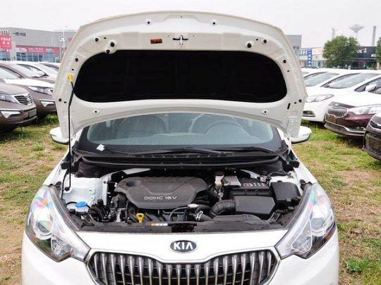 起亚K3火爆促销 现金直降4万 起亚K3全车改装中控台方向盘内饰图片高清图片