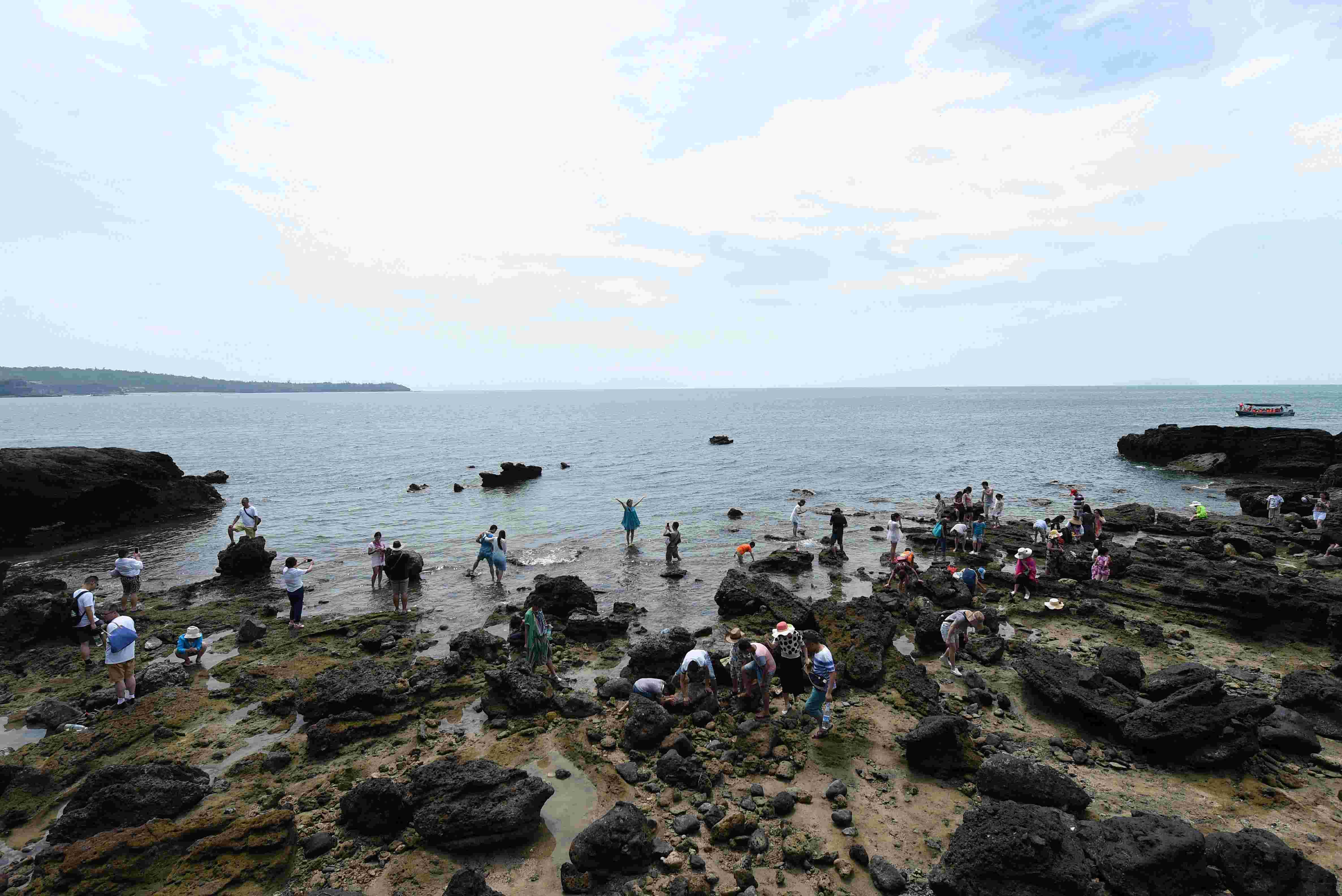 (锐视角)(3)广西北海:迷人的火山岛