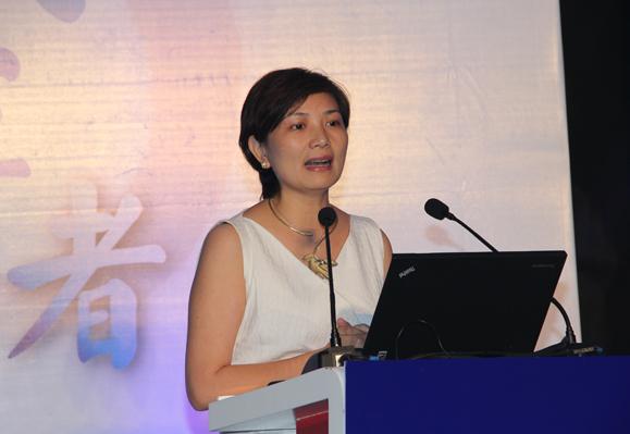 诺亚财富创始人、董事局主席兼CEO汪静波做主题演讲