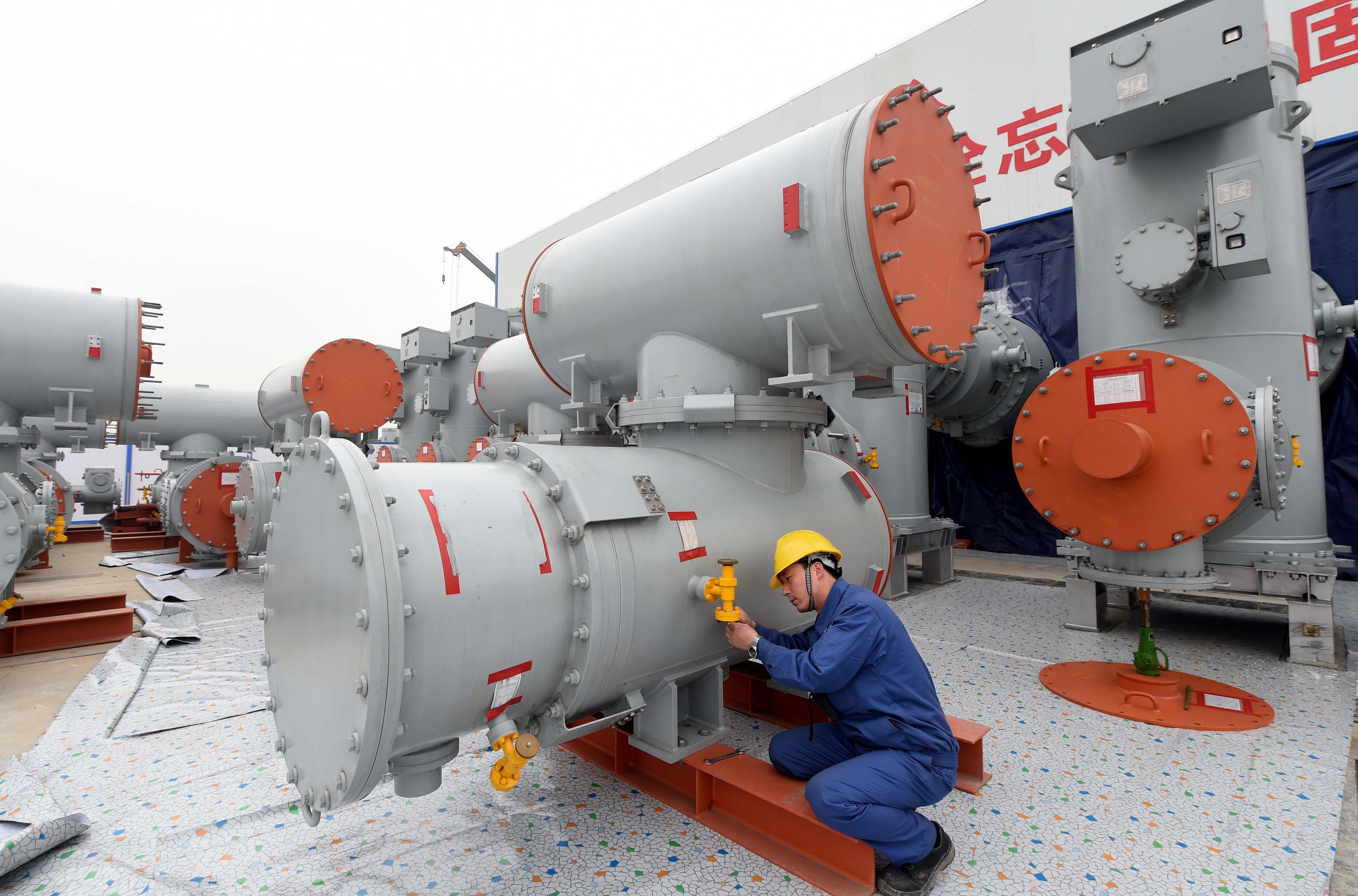 (锐视角)特高压北京东变电站进入电气设备安装阶段