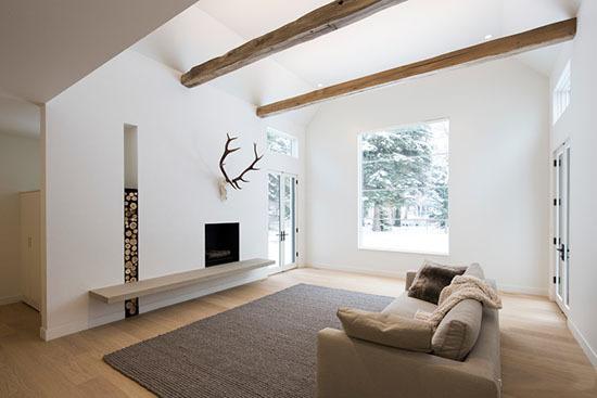 大门与客厅设置玄关或矮柜遮档